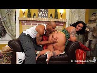 섹시한 bbw 다이애나 니콜 그녀의 거대한 엉덩이를 망할 gets