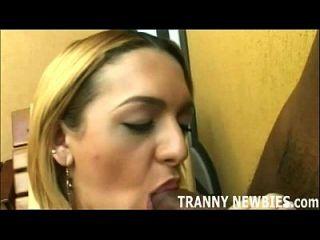 너의 tranny 처녀 엉덩이 준비 shemale 수탉에 대한 준비