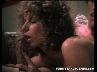 존 홈즈 큰 수탉 스터드 포르노 헛소리 항문 섹스를 제공합니다