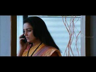 섭씨 100 도의 말라 얄 람 영화 shwetha menon이 협박 전화를받습니다.