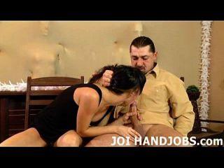 내 작은 손에 당신의 큰 거시기를 얻을 기다릴 수 없어 조이