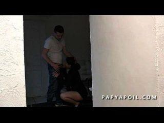 papy defonce une jeune beurette offerte 파 포트 qui 라 sodomise