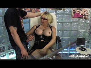 노르웨이 monicamilf 직장 사무실 포르노에서 그녀의 보스 빌어 먹을입니다