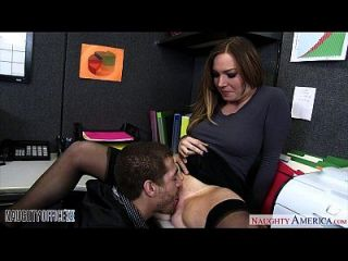 busty office babe tiff bannister 빌어 먹을 빌어 먹을