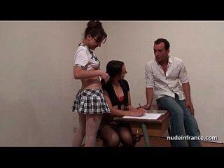 ffm 3 인실 교실에서 열심히 엉덩이를 다투는 프랑스 학생