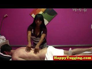 거시기를 당겨 아시아 handjob masseuse