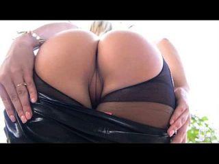 아름다운 엉덩이와 운동 금발 트레이시 린지