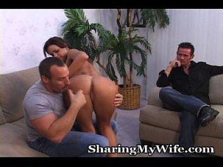 남편과 아내가 깜짝 놀랐다.