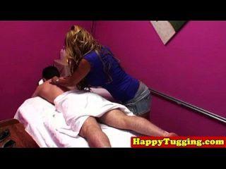 아시아 spycam masseuse tugs 거시기