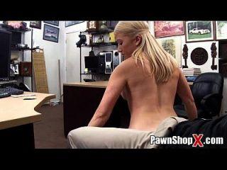 귀여운 금발 승 / 두꺼운 다리 지방 엉덩이 스트립 댄스 \u0026 pawnshopx.com에서 더 않습니다