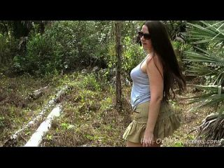 milf가 숲속에서 얼굴을 꾼다. madisin 리 엄마의 21 번째 생일 놀라움에