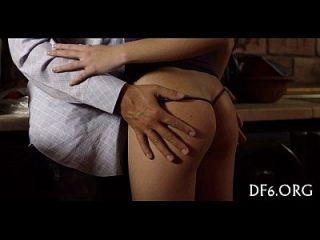 처음으로 포르노 비디오