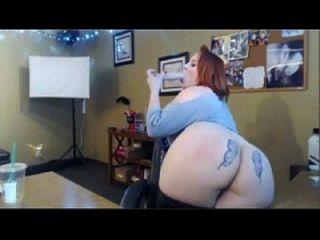 가장 뜨거운 빨간 머리 bbw의 딜도 라구 딜도는 클램프를 착용하는 자신을 fucks wetslutcams.com