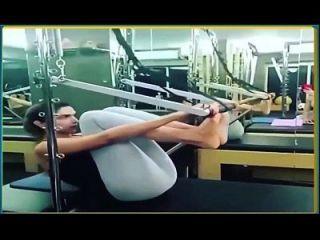 deepika padukone 뜨거운 요가 바지 탈지면 레깅스에서 운동.