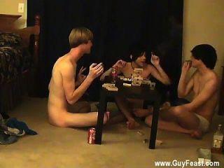빌어 먹을 동성애자 농장이 비디오는 긴 도촬 유형입니다