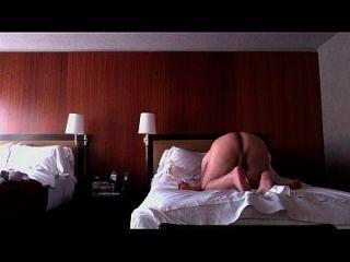 chicago에있는 중국 매춘부 jessica leelee는 망했고 깨진 콘돔으로 creampied했다.