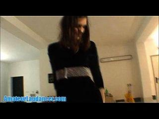 귀여운 18yo czech 학생의 스트립 댄스와 lapdance