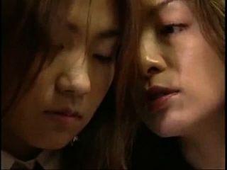 시계에서 (4 분) japanese lip kiss 레즈비언