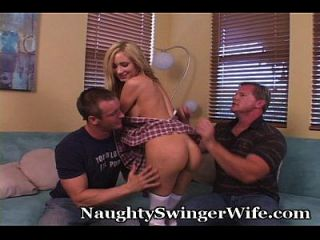 남편은 아내를 보는 속마음을 성취한다.