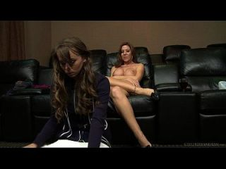 카프리 앤더슨과 레시 라모어 레즈비언 섹스