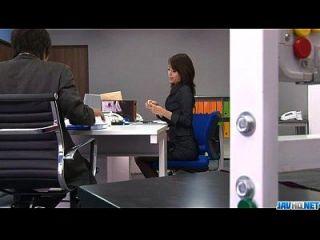 사무실 bimbo, 마키 호조, 그녀의 성기 놀이
