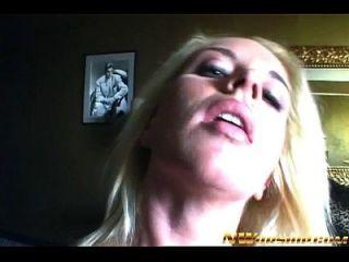 큰 검은 거시기와 금발 사춘기 소녀 interracial 포르노 작업