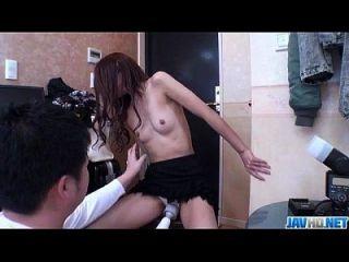 슬림 한 사춘기를 가진 일본 pov 포르노
