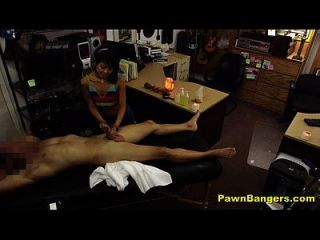 점장이 섹시한 아시아 masseuse 섹스