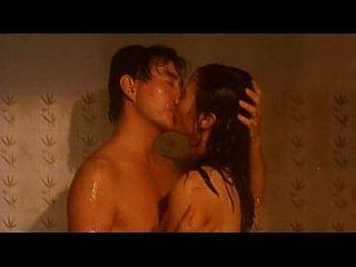 알 수없는 중국 영화에서 귀여운 베이비 매우 관능적 인 섹스 장면