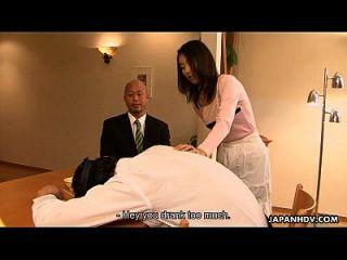 자신의 집에서 그녀의 남자에 바람을 피우는 아시아 걸레 유이