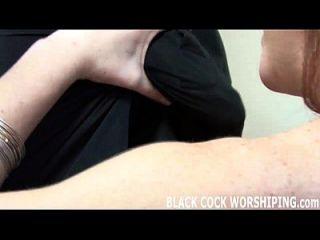 너의 검은 수탉으로 내 엉덩이를 채우다.