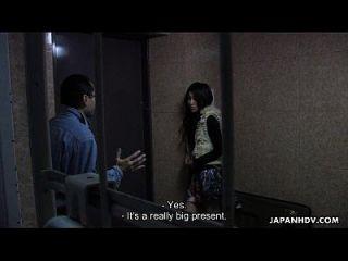 섹시한 엉덩이 아시아 베이비 갱단을 두드리는 세션이 있습니다.