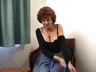 빨간 머리 할머니 할아버지 입으로
