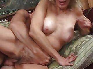섹시하고 성숙한 아내 섹스 2 dudenwk
