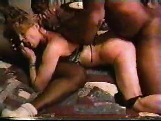 흑인 남자와 금발 백인 아내 집에서 만든 interracial cuckold