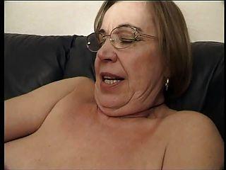 할머니는 정자를 좋아해.