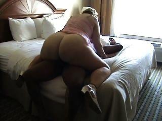 뜨거운 아내 검은 수탉 2