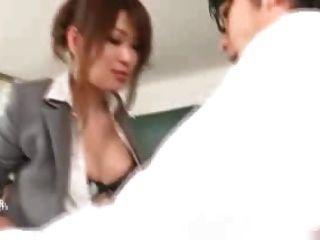 일본 선생님이 학생과 교사들에게 엿보기 1