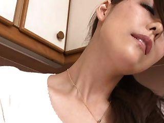 여객기 1 호에 의한 일본인 엄마의 거센 분출