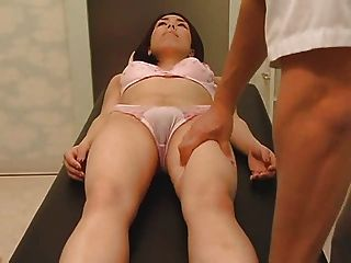 건강 마사지가 섹스 파트 1로 바뀝니다.