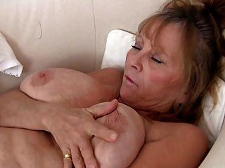 섹시한 할머니 자위