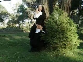 프랑스 레즈비언 비도덕적인 수녀