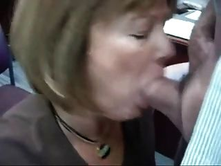 사무실에서 아내 연습이 완벽 해집니다.