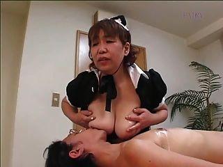일본의 털이 많은 할머니 하녀 !!