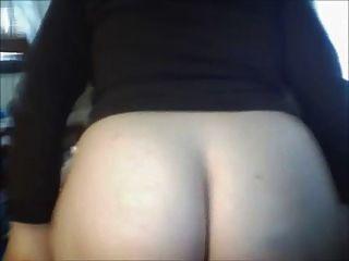통통한 사춘기가 너를 위해 엉덩이를 퍼뜨린다.