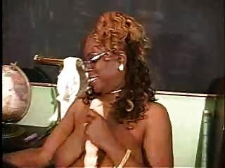 그녀의 토요와 성숙한 흑인 여성