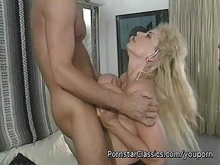 더블 항문 큰 가슴 포르노 스타 씨발
