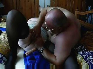 늙은 창녀 73 세 남편과 즐거웠다.