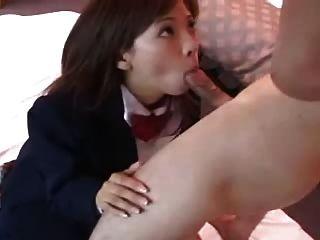 섹시한 일본 소녀 misaki는 수탉을 빤다 dm720