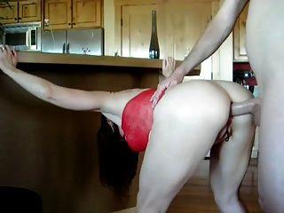 빨간 드레스에 섹시한 성숙한 그녀의 엉덩이에 망할 도착